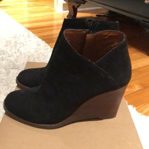 67ce30ceaebf Lucky Brand Shoes - Lucky Brand Yakeena Zip Wedge Bootie